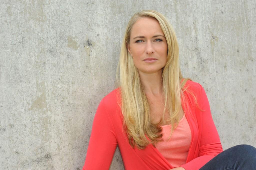 Eva Mona Rodekirchen spielt Maren Seefeld. Foto: RTL / Rolf Baumgartner